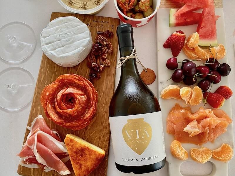 Vinum in Amphorae Pinot Gris and Platters